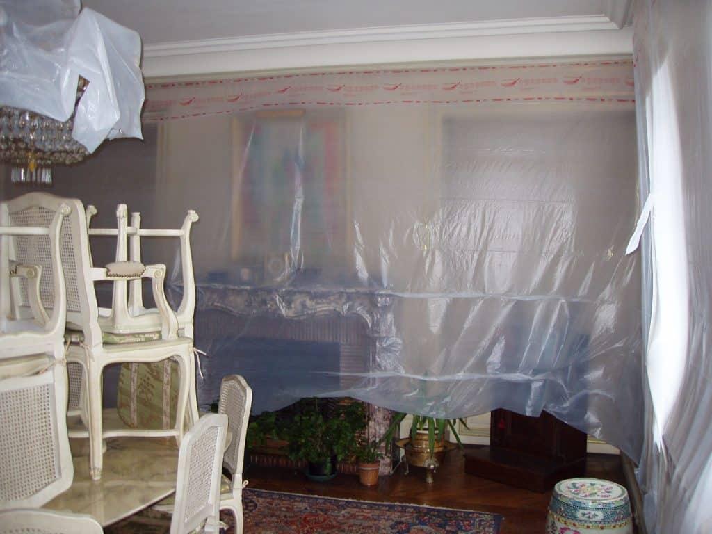 Masquage pour peinture plafond dans l'habitat