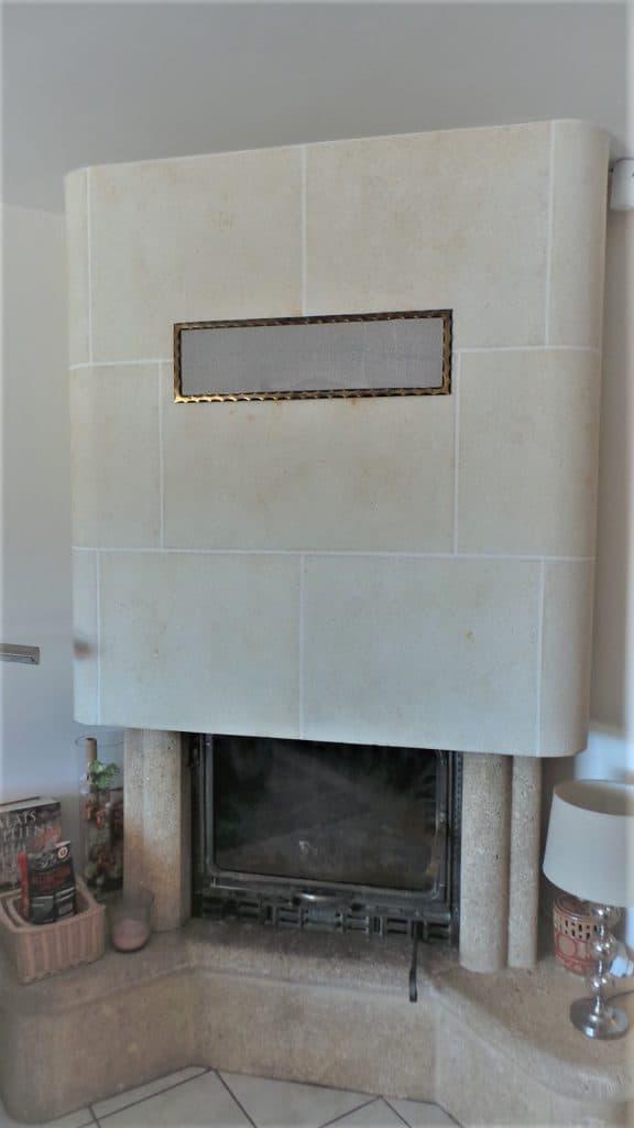Décor imitations coupes de pierres décoratives en trompe l'œil cheminée